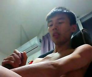 Handsome Chinese Masturbation