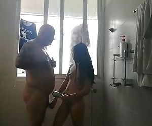 Jessica 18 bj in the shower..