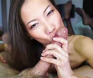 Sexy asian cocksucker works..